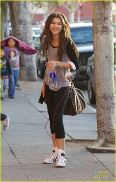 Zendaya: Fro-Yo with Davis Cleveland | zendaya froyo davis cleveland 01 - Photo Gallery | Just Jared Jr.