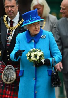 Queen Elizabeth II Photos - Queen Elizabeth II arrives at Waverley Station before boarding the steam locomotive 'Union of South Africa' on September 9, 2015 in Edinburgh, Scotland. Today, Her Majesty Queen Elizabeth II becomes the longest reigning monarch in British history overtaking her great-great grandmother Queen Victoria's record by one day. The Queen has reigned for a total of 63 years and 217 days. Accompanied by her husband The Duke of Edinburgh, she has today opened the new…