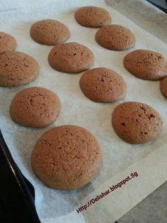 Delishar: One woman's kitchen adventure : Milo Cookies! Milo Recipe, Biscuit Recipe, Anzac Biscuits, Buttery Biscuits, Roll Cookies, Biscuit Cookies, Cake Cookies, Cupcakes, Cookie Desserts