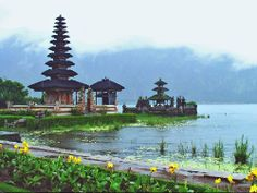 Đền pura ulun danu bratan - http://www.abay.vn/ve-may-bay-theo-hang/ve-may-bay-vietnamairline