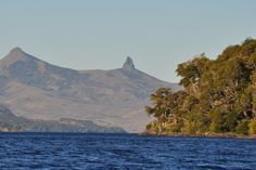 Lago Huechulafquen, Neuquén, Ruta 40. Argentina