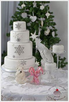 Snowflake Wedding Cake by Julycupcakes, via