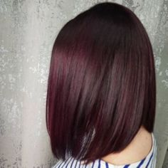 Would you Try Mulled Wine Hair? hair color Mulled Wine Hair Is the Coziest New Winter Beauty Trend Pelo Color Vino, Pelo Color Borgoña, Grey Balayage, Hair Color Balayage, Haircolor, Wine Hair, Winter Hairstyles, Popular Hairstyles, Curly Hairstyles