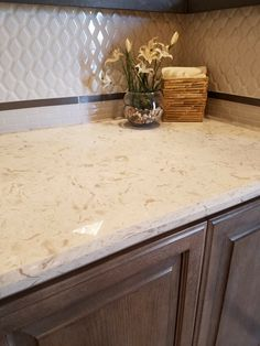 Ideas Adorable Quartz Countertops Dallas With Captivating Kitchen Countertops Ideas French Country Kitchens, French Country House, French Country Decorating, Country Bathrooms, Granite Kitchen Counters, Quartz Countertops, Kitchen Backsplash, Granite Tops, Kitchen Cabinets