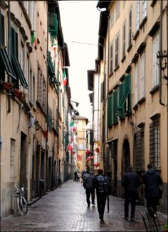 Lucca, Italy.  The town of the winding circles.  So charming.  So tiny.  So perfect.