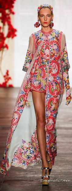Naeem Khan Spring 2016 Ready-to-Wear - Click on the picture to see the bigger image.
