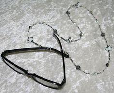 Collier porte lunettes   Lunettes, lunettes de soleil, cordons par  creationscc Porte Lunettes, cef91726be80