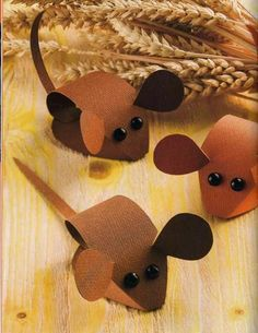 Картинки по запросу Karácsonyra - Klára Balassáné - Álbuns da web do Picasa. Mouse Crafts, Fun Crafts, Diy And Crafts, Arts And Crafts, Paper Crafts, Harvest Crafts, Autumn Crafts, Christmas Crafts, Diy For Kids