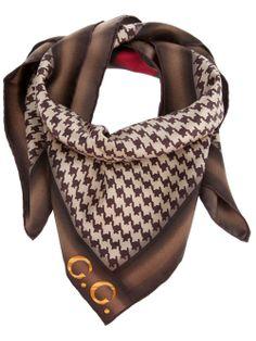 50 meilleures images du tableau foulard en soie Gucci   Gucci scarf ... 56ac08d841e