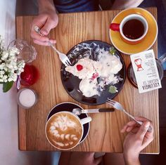 #kawiarnia #kawa #coffee #blackcoffee #drip #chemex #aeropress #barista #latteart #latte #coffeebreak #coffeebrewing #specialitycoffee #thirdwavecoffee #coffeeaddict #pourover #perfectmoment #coffeeholic #foodporn #flowers #thirdwavecoffee #goodmood #goodday http://ift.tt/1U25kLY