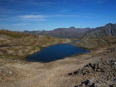 Per questa giornata di trekking in provincia di Sondrio partiamo da Livigno dove raggiungiamo il passo della Forcola e seguiamo per i Laghetti della Forcola