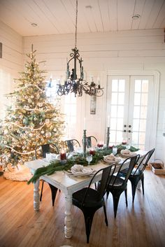 Christmas tree.  Joanna Gaines | Blog_magnolia-4666