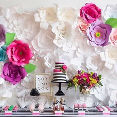 These #diyflowers make for the perfect #spring #backdrop