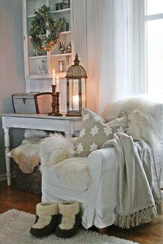 A warm and cozy corner Cozy Living, Home And Living, Living Rooms, Interior Exterior, Interior Design, Vibeke Design, Bright Decor, Cozy Chair, White Cottage