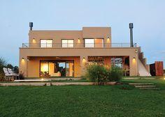 Marcela Parrado Arquitectura - Casa estilo Actual - Arquitecta - PortaldeArquitectos.com Casas Country, 2 Storey House Design, 230, Modern House Plans, Facade House, Planer, Luxury Homes, My House, Beach House