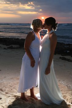 Hook Photography - Lesbian beach wedding at sunset in Oahu