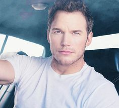 Chris Pratt- WOW! What happened to Andy Dwyer?? please follow me,thank you i will refollow you later