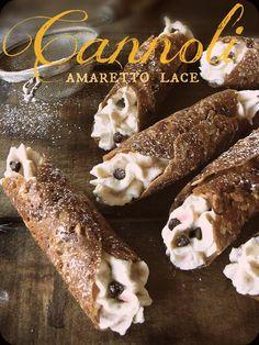 The Brooklyn Ragazza: Amaretto Lace Cannoli