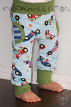Babyhose - Faux-Pocket-Pants - Rennauto - hellblau von Knöpfchen und Anton auf DaWanda.com