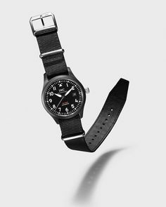 A functional, reductionist-style Pilot's Watch: the Pilot's Watch Automatic TOP GUN is equipped with an in-house movement from the new family. Iwc Watches, Watches For Men, Iwc Chronograph, Iwc Pilot, Classy Casual, Vintage Rolex, Beautiful Watches, Automatic Watch, Casio Watch