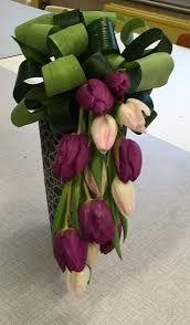 Image associée Tulpen Arrangements, Rustic Flower Arrangements, Rustic Flowers, Elegant Flowers, Flower Centerpieces, Fresh Flowers, Beautiful Flowers, Flower Decorations, Deco Floral