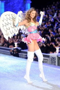 Victoria's Secret's Secrets: Tips and Tricks from the Folks Who Make the Angels Look Their Best