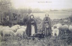 Les bergères etleurs troupeauxdans la lande commune; shepherds and their flocks in the town moor.
