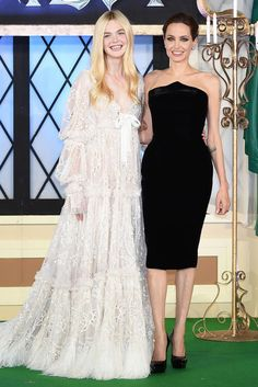 Elle Fanning's dress... #Malificent