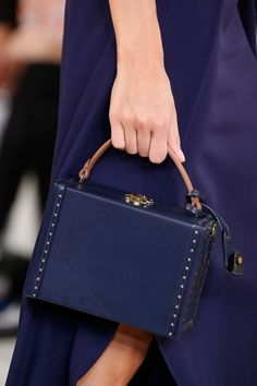 Ralph Lauren Spring 2016 Ready-to-Wear collection, runway looks, beauty, models, and reviews. Hermes Handbags, Luxury Handbags, My Bags, Purses And Bags, Fashion Bags, Fashion Accessories, Nautical Fashion, Beautiful Bags, Dior