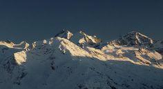 last sunbeams....🇨🇭 @unique_switzerland . . . . #letztesonnenstrahlen #lastsunbeams #engadinstmoritz #oberengadin #engadinmountains #engadin #samedan #sonnenuntergang #sunsetpic #pizbernina #blickheimat #pizmorteratsch #piztschierva #eveningsunshine #naturspektakel #awesomenature #mountainlover #nothinglikenature #winterevening #exploreoutdoors #ourplanet #ournature #breathtakingnature #muotasmuragl #eveninglight #abendstimmung #beautifulearth #bündnerland #graubünden #graubunden St Moritz, Switzerland, Mount Everest, Mountains, Instagram, Travel, Sunset, Viajes, Destinations
