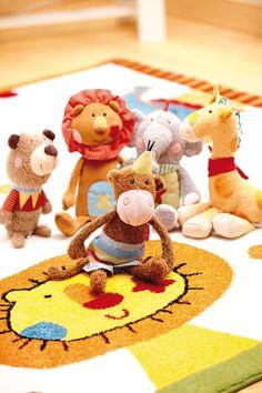 Nouveauté #tapis enfant marque #SIGIKID, le modèle ANIMAL FESTIVAL, un tapis tissé qui a pour motifs les animaux du cirque : on est fan ! http://www.unamourdetapis.com/tapis-enfant-animal-festival-blanc.html