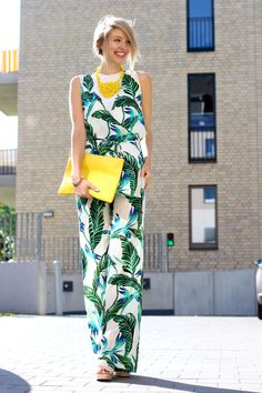 The leaf print and monochromatic look from Zara is nothing short of chic!
