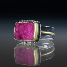 Cobalto Calcite Ring