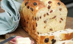 Frisches Rosinenbrot aus dem Ofen ist eine köstliche Kombination aus Hefeteig und Rosinen. Wie man Rosinenbrot einfach zubereiten kann, zeigt Rike im Video.