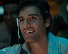 New photos of Oscar Isaac as Poe Dameron in 'Star Wars: The Rise of Skywalker' Star Wars Mädchen, Star Wars Icons, Star Wars Cast, Star Wars Girls, Star Wars Poster, Star Wars Characters, Oscar Isaac, Star Citizen, Star Wars Wallpaper