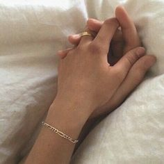 @MinXim uploaded by ☾ XIM ☾ on We Heart It Mãos Casal • Pinterest @cellylobao2011