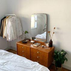 Home Interior Entrance .Home Interior Entrance Home Bedroom, Bedroom Decor, Bedroom Shelves, Bedroom Signs, Bedroom Ideas, Master Bedroom, Deco Studio, Aesthetic Room Decor, Dream Rooms
