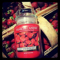 Yankee Candle Sweet Strawberry by SwiatZapachow.pl