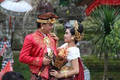 Costume traditionnel INDONESIE