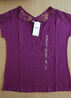À vendre sur #vintedfrance ! http://www.vinted.fr/mode-femmes/hauts-and-t-shirts-t-shirts/35165194-top-a-dentelle-mauve-camaieu-tl