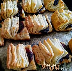 simonacallas - Desserts, sweets and other treats Marzipan, Biscuits, Food And Drink, Pork, Bread, Dishes, Desserts, Drinks, Sweet And Saltines