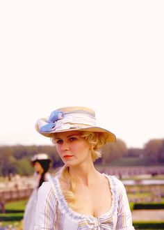 """Gallery of photos from the Sony Pictures Releasing movie """"Marie Antoinette"""", directed by Sofia Coppola and starring Kirsten Dunst, Jason Schwartzman, Asia Argento, and Rip Torn. Kirsten Dunst, Movie Costumes, Cool Costumes, Marie Antoinette Film, Sophia Coppola, 18th Century Costume, 18th Century Fashion, Period Outfit, Costume Design"""