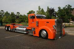 Now That's an Orange Peterbilt? How long is this thing? Big Rig Trucks, Semi Trucks, Cool Trucks, Cool Cars, Bagged Trucks, Custom Peterbilt, Peterbilt Trucks, Dually Trucks, Peterbilt 379