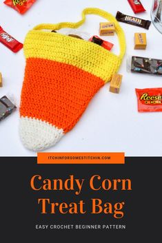 Candy Corn Bag - This crochet candy corn bag is perfect for Halloween trick-or-treating or as an overall autumn decoration. Plus, it& a cinch to whip up. It& awesome for crochet beginners because it only requires the most basic of crochet skills! Love Crochet, Learn To Crochet, Crochet Yarn, Crochet Ideas, Crochet Tutorials, Crochet Afghans, Crochet Blankets, Beautiful Crochet, Crotchet