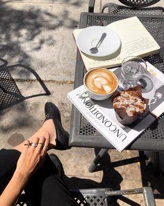 Breakfast photography food photo coffee drinks 30 ideas for 2019 Coffee Date, Coffee Break, Morning Coffee, Coffee Mornings, Sunday Morning, Morning Mood, Coffee Shop Aesthetic, Aesthetic Food, Aesthetic Themes
