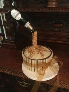 Prosecco anti gravity cake