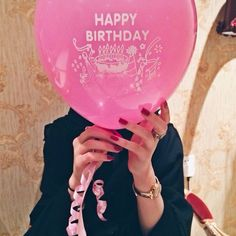 Instagram Post : Happy birthday balloon in front of face