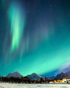 Photo By ��� What A Beautiful World, Beautiful Places, Amazing Photos, Cool Photos, Borealis Lights, Northen Lights, Rainbow Cloud, Out Of This World, Night Lights