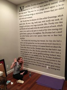 """This is an incredible idea! Not a Harry Potter fan myself, but would definitely do something from C. Lewis and The Chronicles of Narnia! This Woman Painted the Entire First Page of """"Harry Potter and the Sorcerer's Stone"""" on Her Wall Deco Harry Potter, Harry Potter Bedroom, Images Harry Potter, Theme Harry Potter, Harry Potter Memes, Harry Potter Proposal, Harry Potter Library, Harry Potter Canvas, Harry Potter Wall Art"""