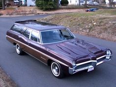 "1967 Pontiac Safari in ""Plum Mist"""